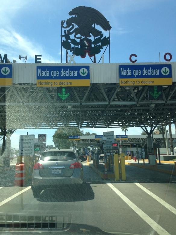 Para entrar a México por tierra no te piden ni el pasaporte.  Foto: María A. Mejía