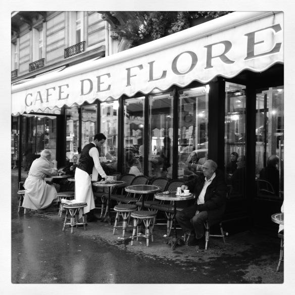 Por el Café de Flore han pasado grandes de la literatura como Elena Garro y Jean Paul Sartre. Foto: María A. Mejía